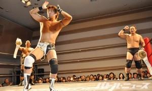 圧勝した平田はベルト総取り宣言と共に勝利のダンス