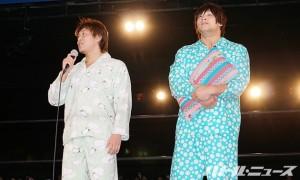 パジャマ姿の飯伏と平田