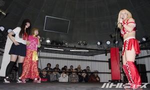 新宿FACE大会で一騎打ちを行うことになった中島と坂崎