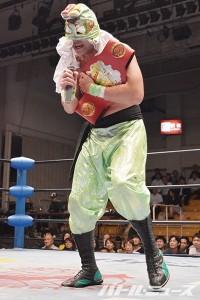 2015-7-8全日本後楽園_マスクを剥がされたSUSHIが怒りのマイク