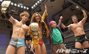 2015-10-9W-1ファン感_UWA世界6人タッグ王座を奪取したジャケッツ
