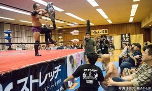 2015-12-13ヒートアップ名古屋_UWA世界ジュニア王座を防衛した那須