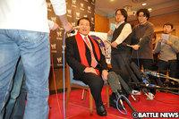 100209_WWE-Inoki-3.jpg